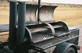 PORTABLE BBQ GRILL WITH FIREBOX